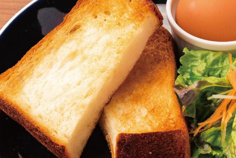 厚切りバタートースト&ゆで卵