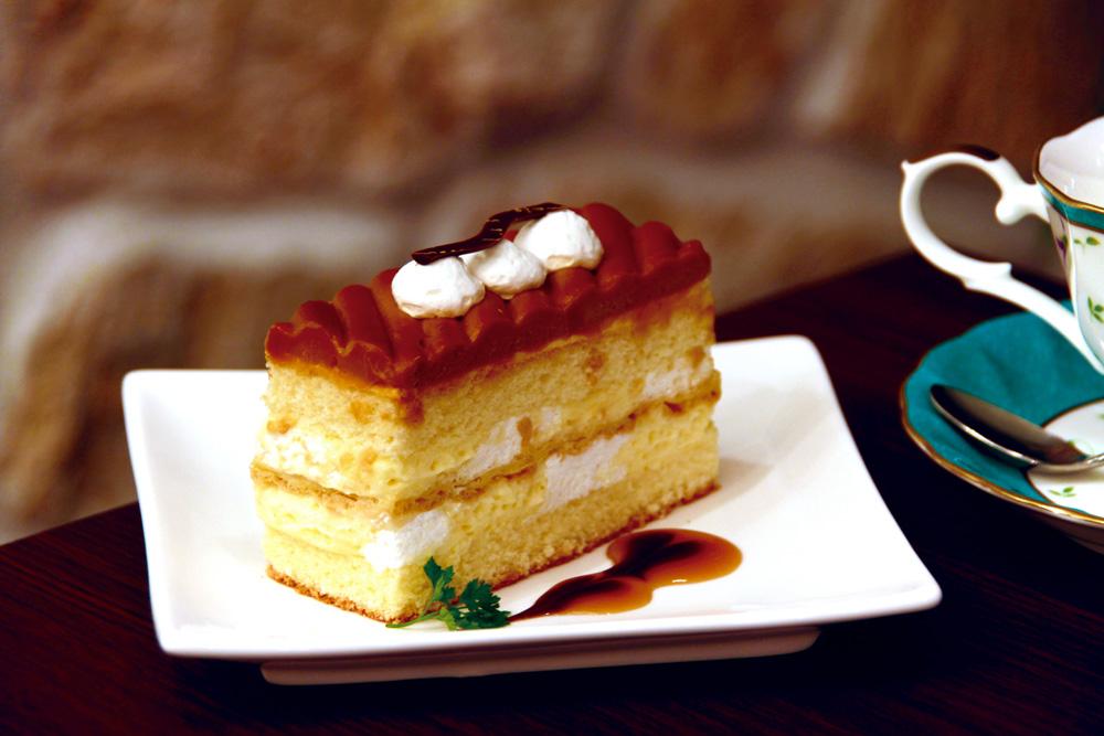 大阪堺市大美野の喫茶店「大山珈琲」生キャラメルのケーキ