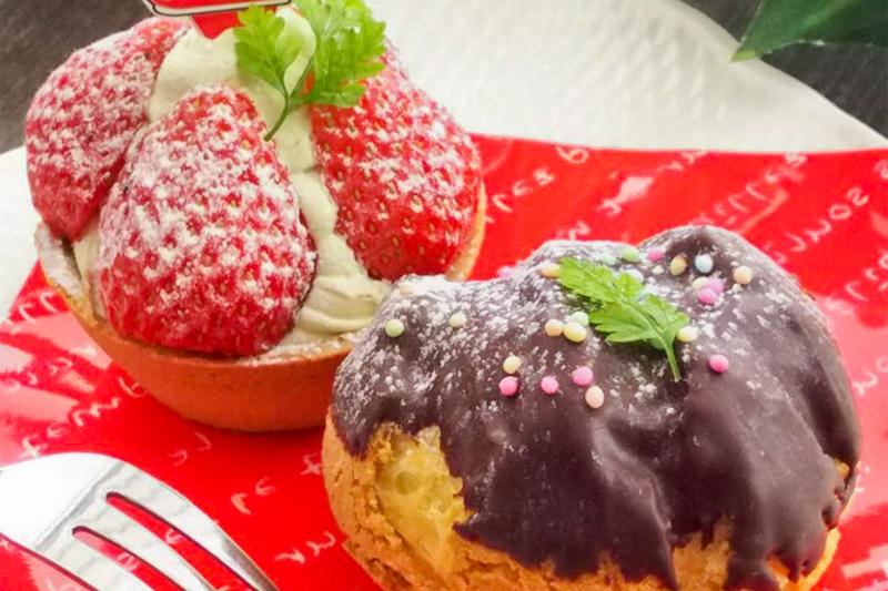 「チョコクッキーシュー」、「苺とピスタチオクリームのタルト」クーポン